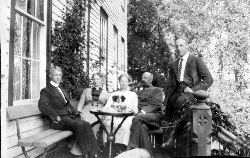 Ingertha og Charles Omdals familie_Gimle 1912