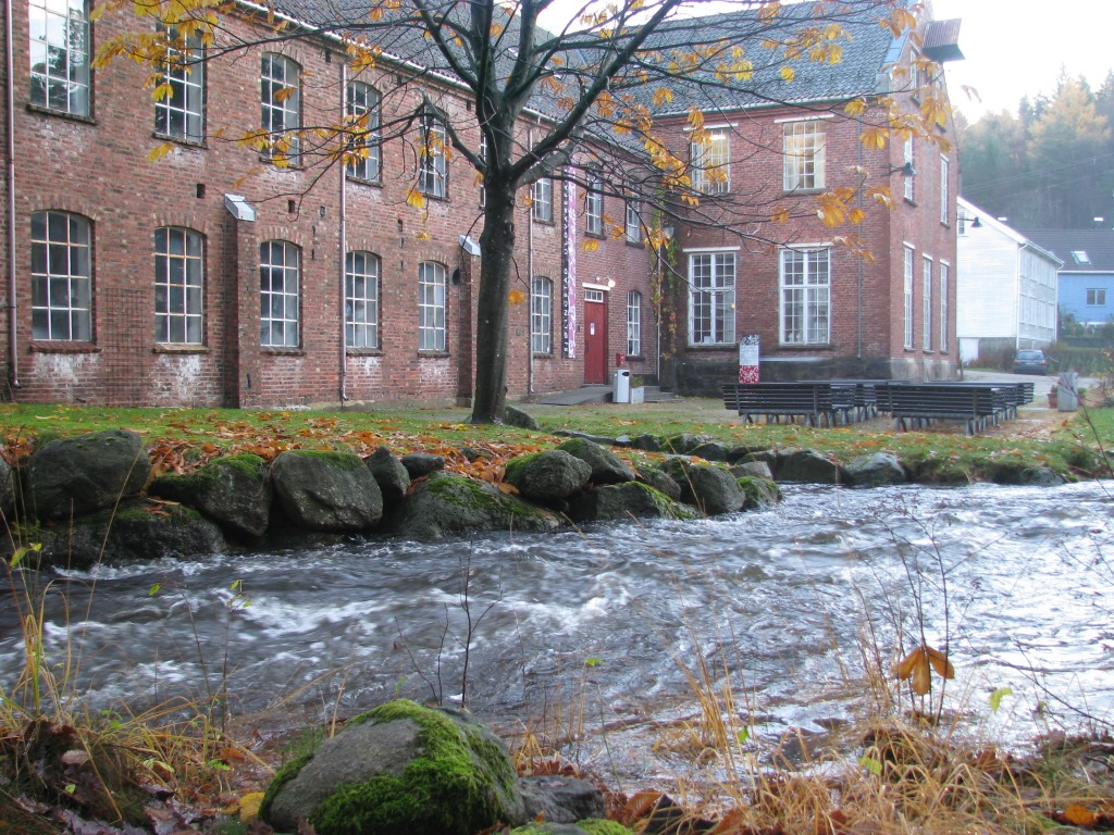Høst på Sjølingstad Uldvarefabrik