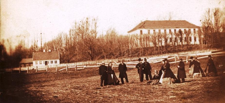 SLIDER_-Gimle-historisk_1860-t_fra-Ryttergangen