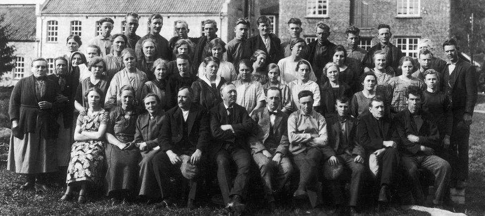 Slider Personalbilde fra Sjølingstad Uldvarefabrik 1930