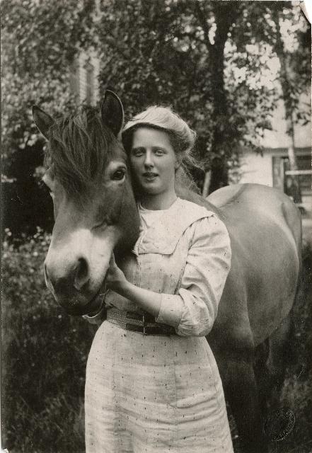 Titti med hest