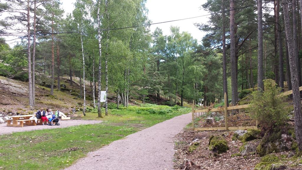 På turen over heia, mellom Vest-Agdertunet og Setesdalstunet kan man ta en rast i rolige omgivelser