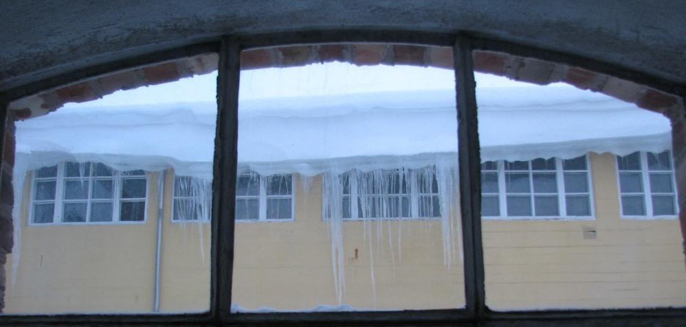 Slider-Utsikt-fra-tørrappreturen-mot-veveriet-januar-20141