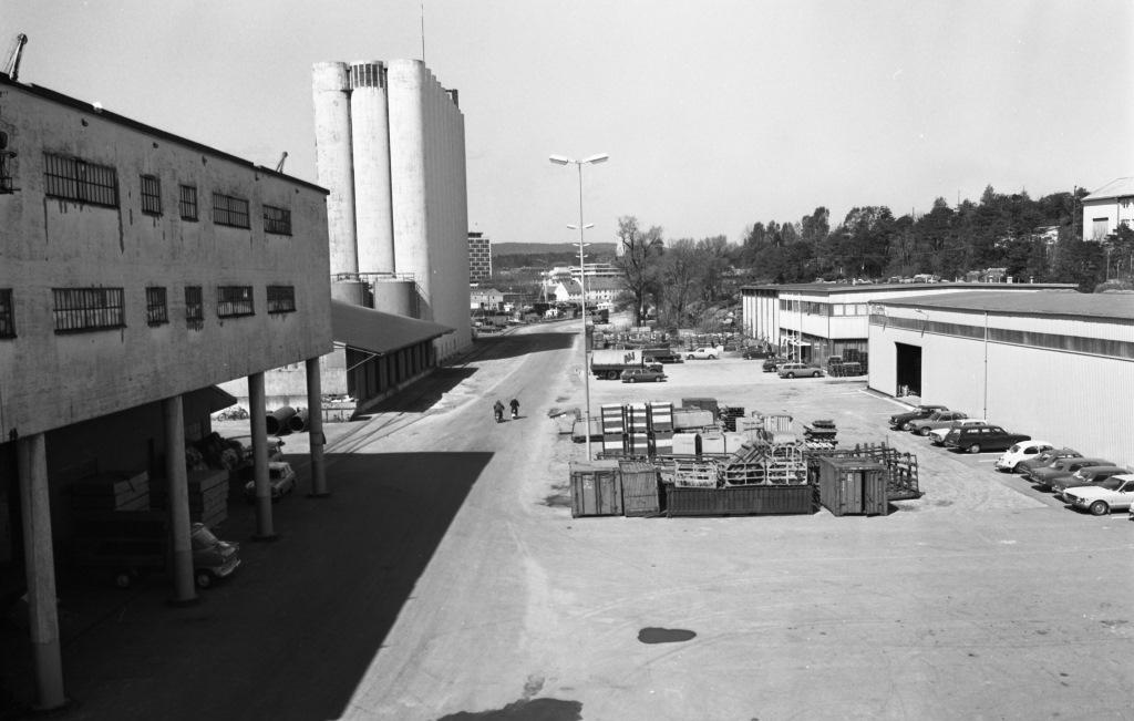 """Silokaia og """"Sjølyst"""" på Odderøya. Foto Fotomagasinet/Vest-Agder-museet"""