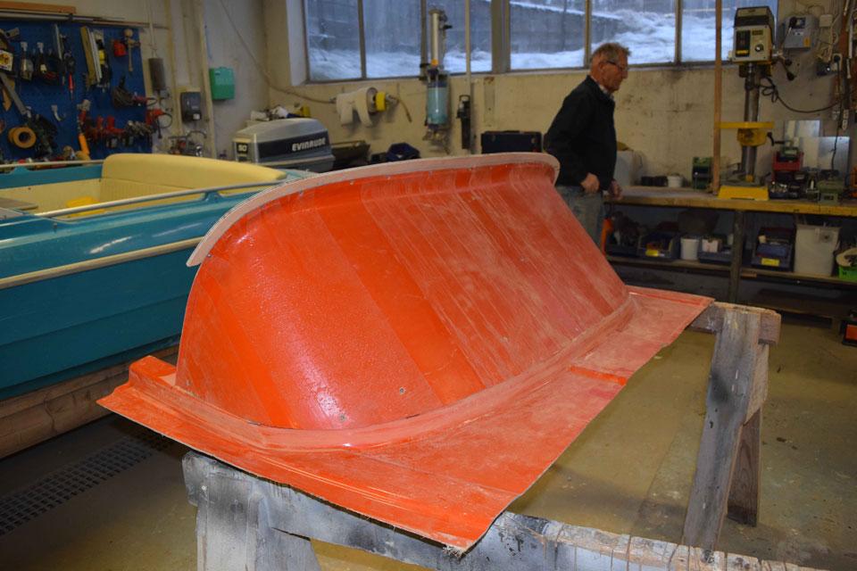 Formen er snart klar til å gi opphav til en ny vindskjerm. Foto Jan Egil Hansen.